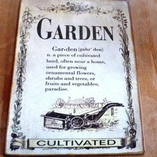 未使用品 ブリキ製のプレート (GARDEN)
