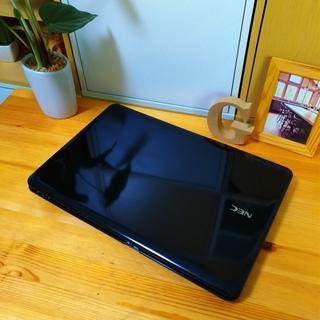 corei5のメモリ8Gで超高性能★ 大容量500G! 光沢クリスタルブラックがかっこいい★ 最新Windows10 64Bit!  NEC Lavie 大画面15.6インチ テンキー内蔵 高級感   ノートパソコン 無線LAN Wi-Fi対応 DVDドライブ - 売ります・あげます