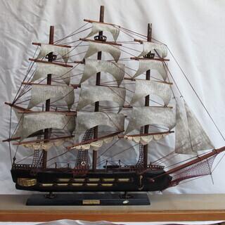 帆船の模型木製 ガラス枠付き