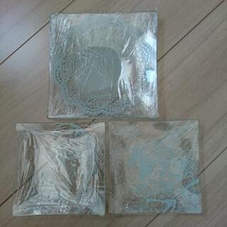『更に値下げ‼️』【新品未使用】アリスワンダーランドのガラス角皿...