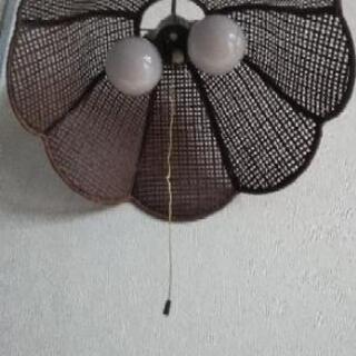 レトロ感ある照明器具