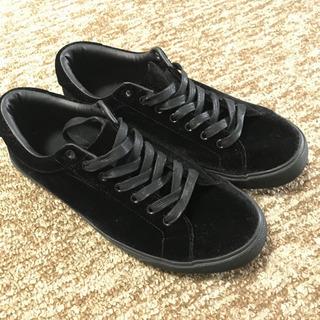 【美品】ベロア素材の靴(27cm)
