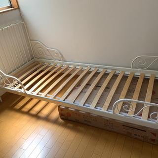 【お取引中】IKEAのMINNEN伸長式ベッド 白フレーム