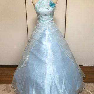 薄いブルー カラードレス