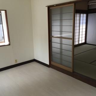 3LDK 一戸建 漆喰塗りの和室や美しい無垢材使用! 礼金敷金0...