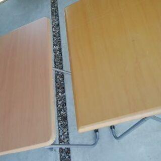 折りたたみテーブル 2つ