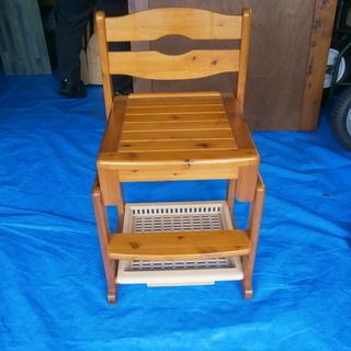 お譲りします! 丈夫な木製椅子!! (中古・良品)