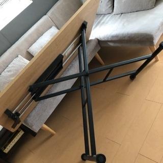 ガス圧昇降式テーブル - 家具