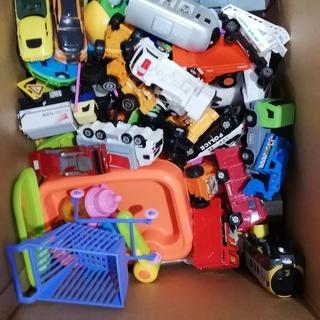 おもちゃの詰め合わせ