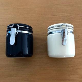 激安お洒落‼ ︎陶器の密閉容器 2色セット‼︎