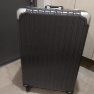 数回使用 スーツケースLL