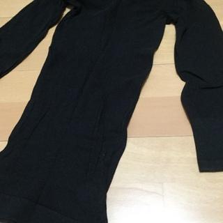 黒 インナーシャツ