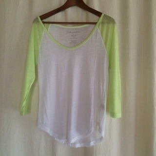 👕🟢蛍光グリーンがポイントのTシャツ 七分袖🟢👕