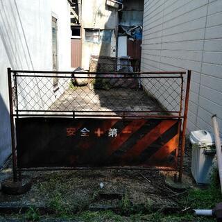 ★駐車場貸します★普通車+軽の2台駐車可◆松原市天美西1-4-1...