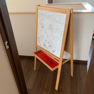 IKEA ホワイトボードの画像