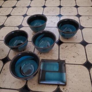 湯飲みと小皿のセット