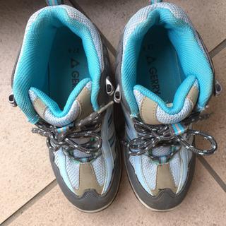 GERRY   子供用トレッキングシューズ 登山靴  22.0㎝