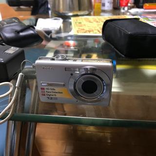 値下げしました。デジカメ美品カメラ付けます