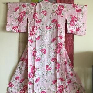 ピンクの浴衣と帯(巾着付き)