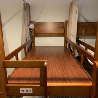 訳あり2段ベッド(下段片方の柵なし)
