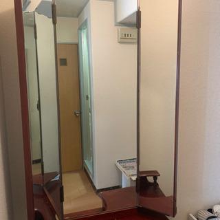 木製三面鏡化粧台、椅子1着、1500円!自宅まで取りに来て頂ける方に!