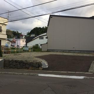 貸地 約40坪【小樽市石山町】普通車なら4〜5台駐車可能 駐車場...