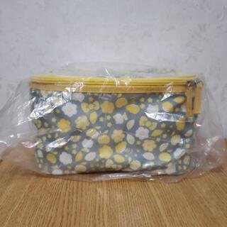 ☆新品未使用☆ ハローキティ 特大ポーチ BIGポーチ 黄色バージョン