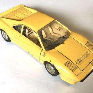 激レア フェラーリGTO1984 ヴィンテージ 貴重な黄色です。