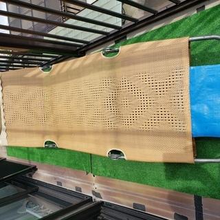 昭和レトロな夏のお昼寝に最適な折り畳みベッド