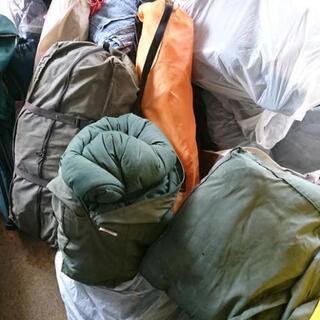 寝袋 椅子 テント など
