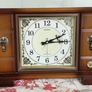大きな古い置き時計