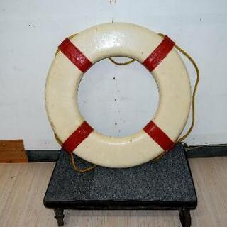 船の浮き輪