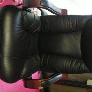 キャスター付き、社長椅子