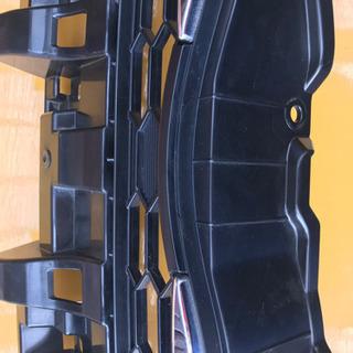 ヴォクシー70 フロントグリル - 車のパーツ