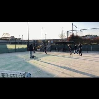硬式テニスサークルメンバー募集してます!