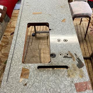 ミシン台をテーブルに