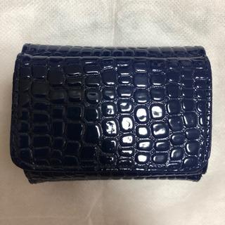 エナメル型押し・コンパクト財布①