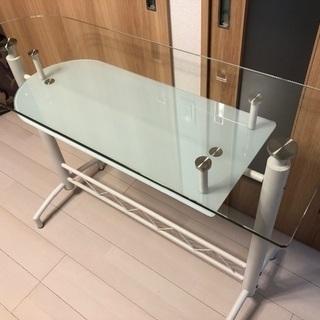 ガラス カウンターテーブル − 福岡県