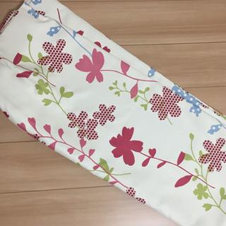 ニトリ 花柄 カーテン