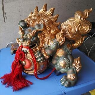 なにやらたいそう凄そうな獅子の瀬戸物の置物