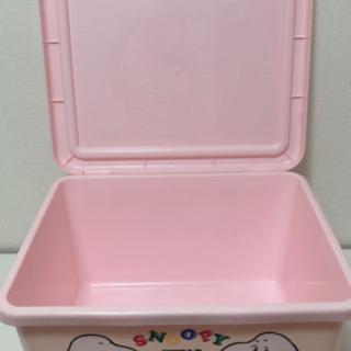 SNOOPYプラスチック蓋付き収納ボックス