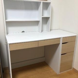 勉強机と収納棚 ニトリ