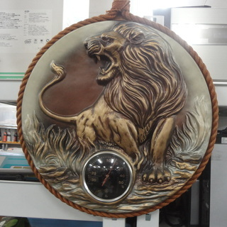 G65 ライオンの壁掛け温度計