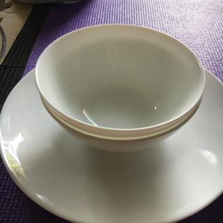 お皿  あげます。