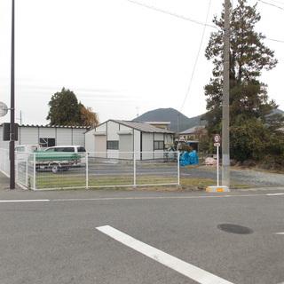 R13沿い 敷地への駐車も可能