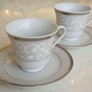 【お値下げしました】アラベスク柄のコーヒーカップの画像