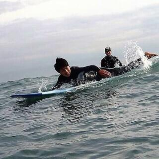 湘南海岸でサーフィンを教えてみませんか?