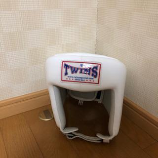 TWINSの白ヘッドギア です!