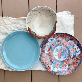 刺身用大皿2枚と和風鉢1個です