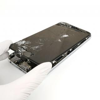 お持ちのiphoneの修理、買取を致します